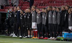 Cheftræner Kasper Hjulmand og assistenttræner Morten Wieghorst (Danmark) under nationalsangen, før UEFA Nations League kampen mellem Danmark og Belgien den 5. september 2020 i Parken, København (Foto: Claus Birch).