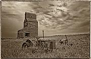 Grain elevator and tractor