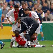 NLD/Rotterdam/20060507 - Finale competitie 2005/2006 Gatorade cup Ajax - PSV,  Emmanuel Boakye gewond op de grond