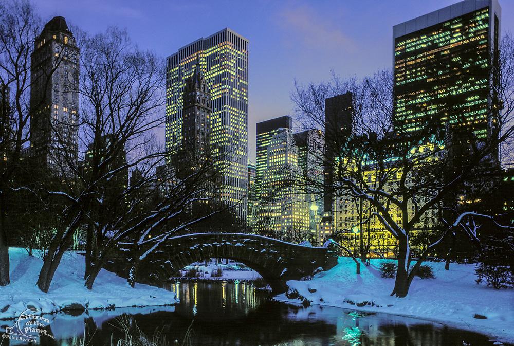 Central Park, Stone Bridge, Manhattan, New York (ah)