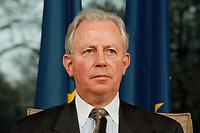 11.01.1999, Deutschland/Bonn:<br /> Jacques Santer, Präsident der Europäischen Kommission, während der Pressekonferenz zur gemeinsamen Sitzung von Bundeskabinett und Europäischer Kommission, Informationssaal, Bundeskanzleramt, Bonn<br /> IMAGE: 19990111-04/01-35