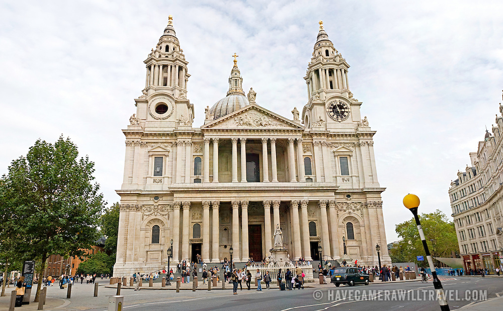St. Paul's Cathedral, London, from the front. High resolution image.