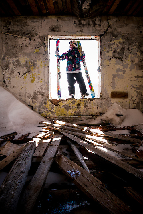 Lensa Stoffel, Roxy skier, Russia.