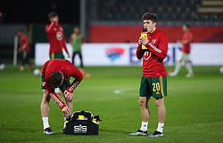 LEUVEN, BELGIUM - Wednesday, March 24, 2021: Wales' Daniel James drinks from a plastic bottle during the pre-match warm-up before the FIFA World Cup Qatar 2022 European Qualifying Group E game between Belgium and Wales at the King Power Den dreef Stadium. Belgium won 3-1. (Pic by Vincent Van Doornick/Isosport/Propaganda)