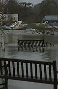 Peter Spurrier Sports  Photo.08/01/2003.email pictures@rowingpics.com.Tel 44 (0) 7973 819 551.Photo Peter Spurrier.GV's around Henley on Thames .