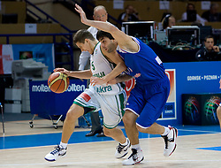 Jaka Lakovic (5) of Slovenia during the basketball match at 1st Round of Eurobasket 2009 in Group C between Slovenia and Serbia, on September 08, 2009 in Arena Torwar, Warsaw, Poland. (Photo by Vid Ponikvar / Sportida)