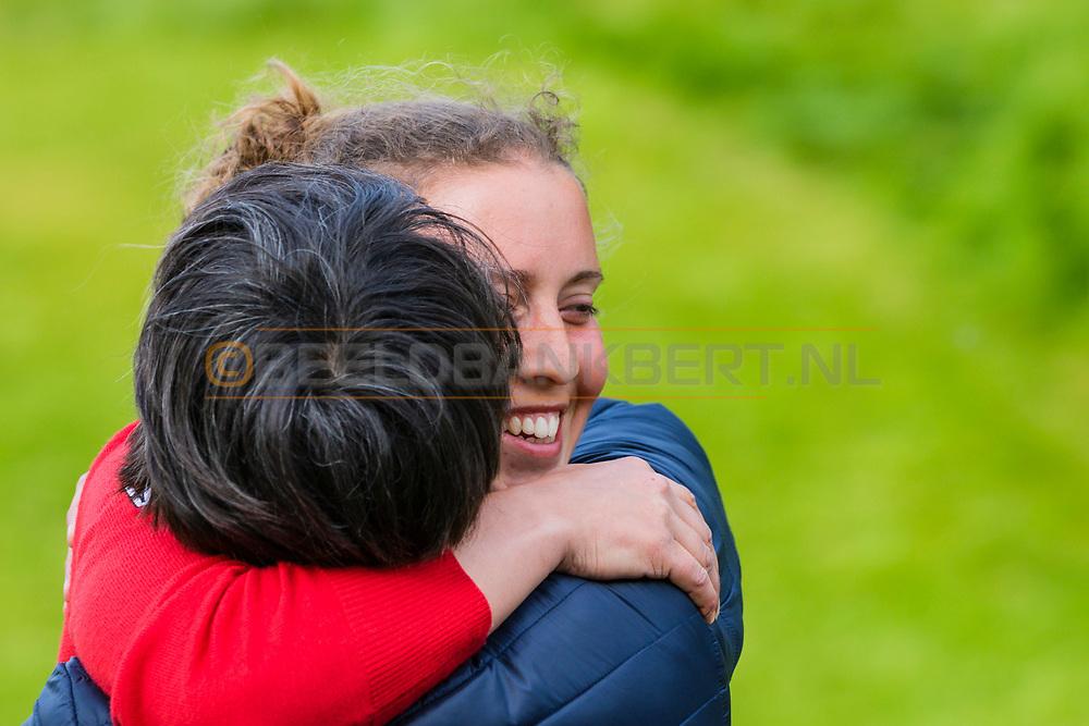 17-05-2015 NGF Competitie 2015, Hoofdklasse Heren - Dames Standaard - Finale, Golfsocieteit De Lage Vuursche, Den Dolder, Nederland. 17 mei. Dames Eindhovensche: Ileen Domela Nieuwenhuis , feesten na de overwinning.