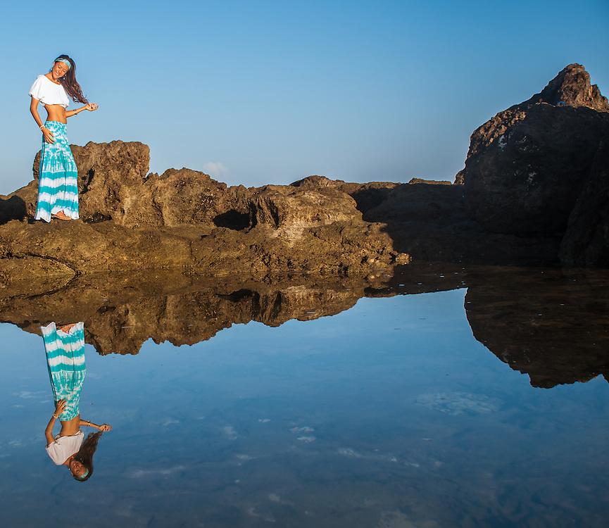 Woman at tide pool lifestyle photography portrait noelani studios
