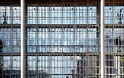 Nederland, Velsen, 26-2-2006..Beverwijk, IJmuiden, Wijk aan zee..Ingang, hoofdingang, Dudok gebouw...Corus, hoogovens. Metaalindustie, staalproductie, staalproduktie, zware industrie, vraag en aanbod staal op wereldmarkt, smelterij, luchtvervuiling, luchtverontreiniging, milieu, milieuvervuiling, luchtkwaliteit, stof, stofdeeltjes, economie, british steel, fusie, werkgelegenheid..Foto: Flip Franssen/Hollandse Hoogte