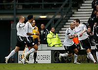 Photo: Steve Bond/Sportsbeat Images.<br />Derby County v Blackburn Rovers. The FA Barclays Premiership. 30/12/2007. Matt Oakley (R) celebrates