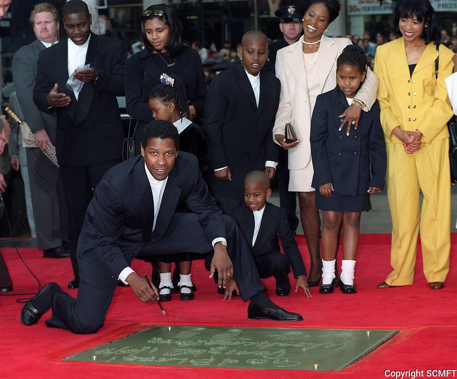 1/15/1998 Denzel Washington's hand/footprint ceremony at Grauman's Chinese Theater