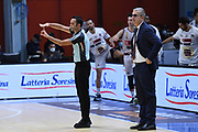 arbitro ,  time out <br /> Vanoli Cremona - Umana Reyer Venezia<br /> Legabasket Serie A UnipolSAI 2020/2021<br /> Cremona, 04/10/2020<br /> Foto GiulioCiamillo / Ciamillo-Castoria