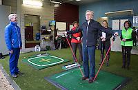 GROESBEEK - Golfpro Stephan de Ruijter met senioren. COMMITTED TO SENIOREN op Rijk van Nijmegen . FOTO KOEN SUYK.