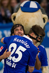 19-11-2011 VOETBAL: SCHALKE 04 - FC NURNBERG: GELSENKIRCHEN<br />  Bild Jubel Klaas-Jan Huntelaar , Raul nach dem 2-0 <br /> ***NETHERLANDS ONLY***<br /> ©2011-FRH- NPH/Kurth