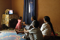 Niger,Agadez,2007. During the punishing midday heat, retiring to the cool in this big room inside Mohammad Ixa's family home is an attractive option.