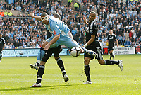 Photo: Steve Bond/Richard Lane Photography.<br />Coventry City v Chelsea. FA Cup 6th Round. 07/03/2009. Leon Best (C) Alex (obscured) and Jose Bosingwa (R) in action
