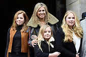 Prinses Beatrix geeft verjaardagsontvangst