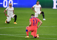 SEVILLE, SPAIN - DECEMBER 02: Mateo Kovacic of Chelsea FC during the UEFA Champions League Group E stage match between FC Sevilla and Chelsea FC at Estadio Ramon Sanchez-Pizjuan on December 2, 2020 in Seville, Spain. (Photo by Juan Jose Ubeda/MB Media)