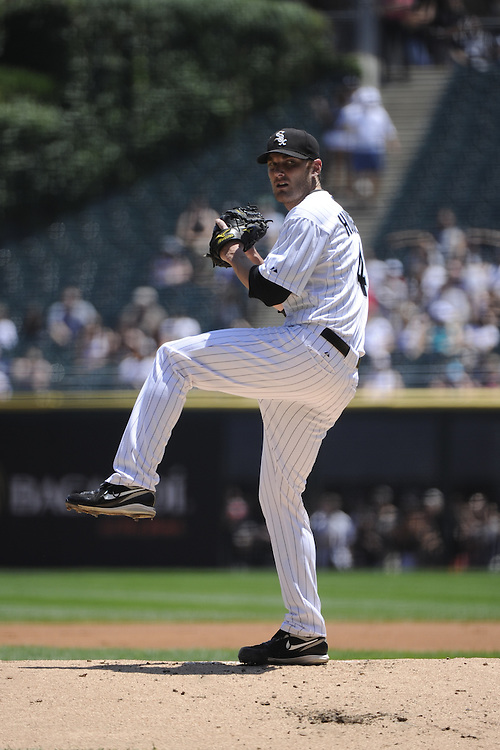 CHICAGO, IL - JUNE 26:  Phil Humber #41 of the Chicago White Sox pitches against the Washington Nationals on June 26, 2011 at U.S. Cellular Field in Chicago, Illinois.  The Nationals defeated the White Sox 2-1.  (Photo by Ron Vesely/MLB Photos via Getty Images)  *** Local Caption *** Philip Humber.