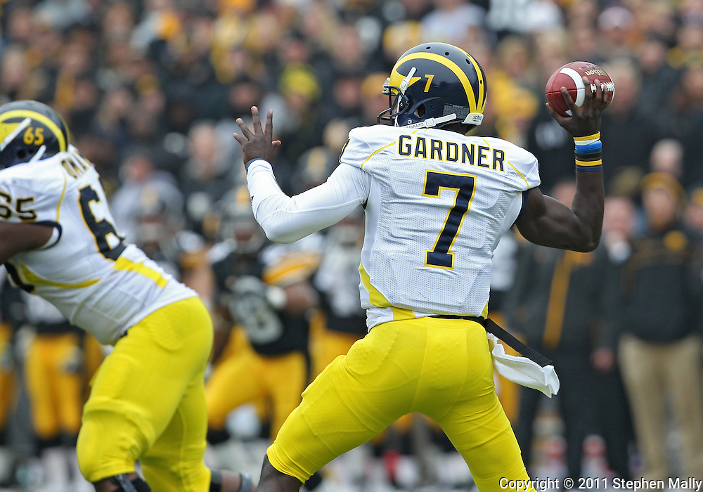 November 05, 2011: Michigan Wolverines quarterback Devin Gardner (7) throws the ball during the second half of the NCAA football game between the Michigan Wolverines and the Iowa Hawkeyes at Kinnick Stadium in Iowa City, Iowa on Saturday, November 5, 2011. Iowa defeated Michigan 24-16.