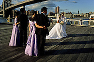 New York. Chinese wedding on Brooklyn ferry pier.  under the Brooklyn bridge in front of Manhattan skyline  New York  Usa /   mariage chinois sur le quai de brooklyn. sous le pont de Brooklyn  New York  Usa
