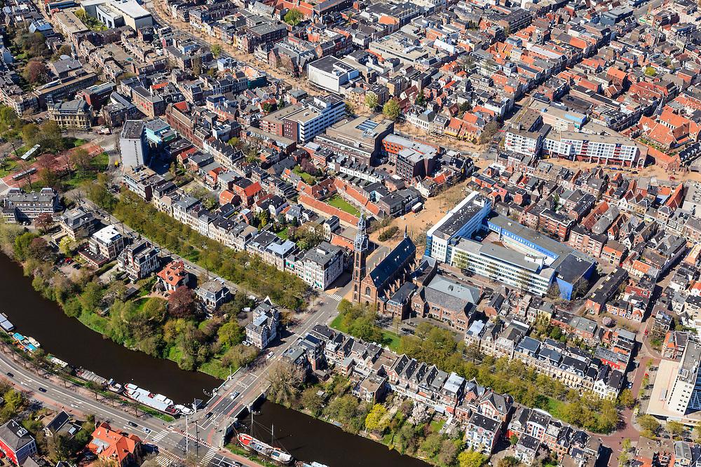 Nederland, Groningen, Groningen, 01-05-2013;<br /> Groningen-stad, centrum. Zuidelijk deel binnenstad.<br /> Het politiebureau aan de Rademarkt, de neogotische Sint-Jozefkerk van Pierre Cuypers en het Verbindingskanaal  die links gaat in de richting van het station en het Groninger museum. Het Zuiderdiep (boven)<br /> View on the city of Groningen, old town.<br /> luchtfoto (toeslag op standard tarieven)<br /> aerial photo (additional fee required)<br /> copyright foto/photo Siebe Swart