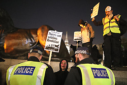 © Licensed to London News Pictures . 05/11/2016 . London , UK . Supporters of Anonymous , many wearing Guy Fawkes masks , attend the Million Mask March bonfire night demonstration , in central London . Photo credit : Joel Goodman/LNP