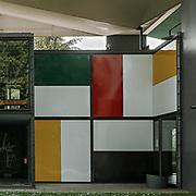 Zurich, Switzerland, Seefeld, 2007: Pavillion Le Corbusier, Wall panels - (1967), Heidi Weber Museum at Zürichhorn Park,  Switzerland. - Le Corbusier arch - Photographs by Alejandro Sala
