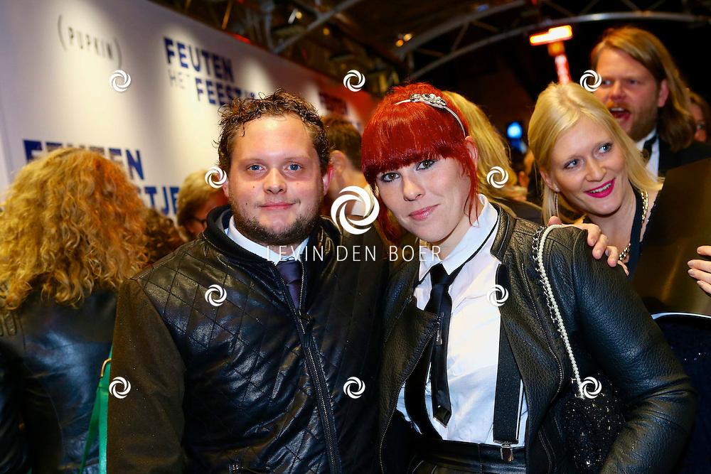 AMSTERDAM - In theater Tuschinski is de Nederlandse film 'Feuten het Feestje' in premiere gegaan. Met hier op de foto  Coosje Smid met haar partner Diederik Jekel. FOTO LEVIN DEN BOER - PERSFOTO.NU