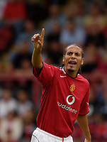 Fotball<br /> England 2005/2006<br /> Foto: SBI/Digitalsport<br /> NORWAY ONLY<br /> <br /> Clyde v Manchester United<br /> Preseason Friendly. 16/07/2005<br /> <br /> Manchester United's Rio Ferdinand was booed everytime he touched the ball by a section of the Manchester United fans