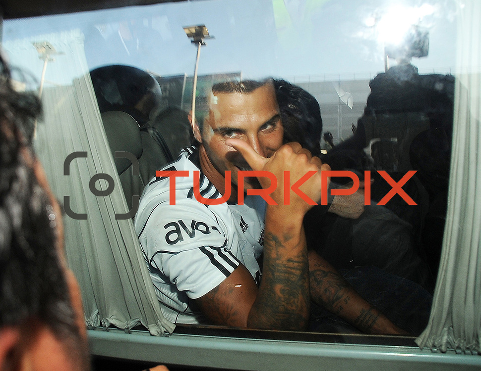 Besiktas Istanbul's new Portuguese soccer player Ricardo Quaresma is greeted by fans as he arrives at Ataturk Airport in Istanbul, Turkey, 18 June 2010. Quaresma will be presented to fans during a signing ceremony at Inonu Stadium on June 19. Photo by TURKPIX
