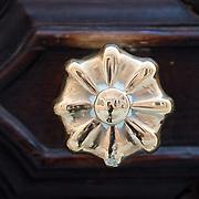Door knobs and knockers