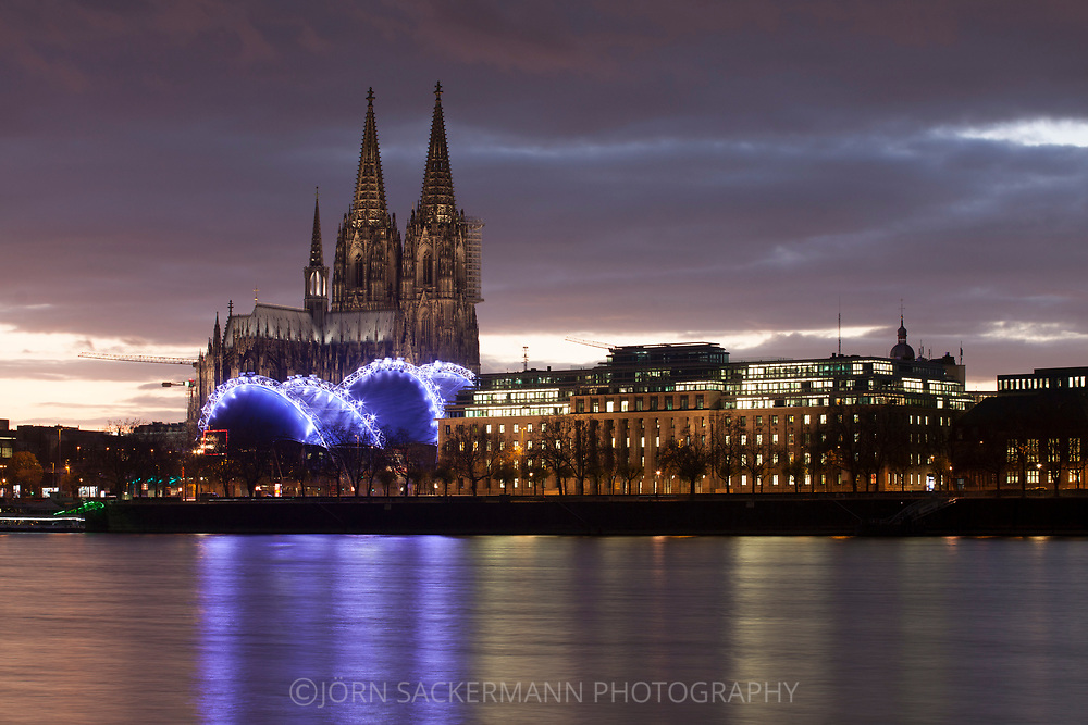 view from the district Deutz to the cathedral, the theater Musical Dome and the office building Neue Direktion, Rhine, Cologne, Germany.<br /> <br /> Blick von Deutz zum Dom, Zelttheater Musical Dome und das Buerogebaeude Neue Direktion, Rhein, Koeln, Deutschland.