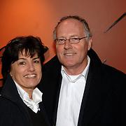 NLD/Utrecht/20060319 - Gala van het Nederlandse lied 2006, Peter Tuinman en partner Inge