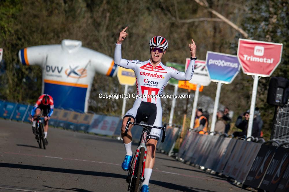 2019-11-17 Cycling: dvv verzekeringen trofee: Flandriencross: Niels Vandeputte wins in Hamme ahead of Ryan Kamp and Timo Kielich