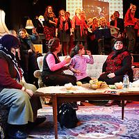 Nederland, Amsterdam , 9 mei 2010..OMA'S BORDUREN SMARTLAPJES VOOR LIEFDE IN DE STAD ??Het project 'Smartlapjes' is één van de onderdelen van de kunstmanifestatie Liefde in de Stad die in mei 2010 plaatsvindt. ?Vanaf 18 februari kan iedereen via htpp:// www.smartlapjes.nl met de hand geborduurde zakdoekjes bestellen bij oma's die van borduren houden. De tekst kun je zelf bepalen, bij welke oma je je bestelling plaatst ook. Op zondag 9 mei is in Paradiso een expositie van alle bestelde Smartlapjes, waarbij oma's en bestellers elkaar kunnen ontmoeten. Het project is een idee van Gemma Broekhuis en Maaike Dommershuijzen (Watson & Lewis). ?Liefde in de Stad is een kunstproject van Paradiso dat de liefde in de stad wil stimuleren..Foto:Jean-Pierre Jans