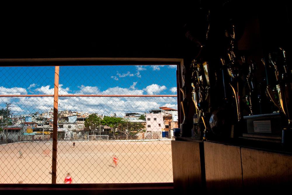 Belo Horizonte_MG, Brasil...1a Copa Kaiser de Futebol Amador de Belo Horizonte. Na foto Campo do Popular no Bairro Sao Paulo...1st Kaiser Cup of Amateur Football in Belo Horizonte. In this photo the Popular soccer field in the Sao Paulo neighborhood...Foto: NIDIN SANCHES / NITRO