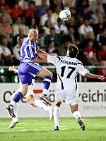 Fotball<br /> Foto: Gepa/Digitalsport<br /> NORWAY ONLY<br /> <br /> 11.08.2005<br /> UEFA Cup, FC Superfund Pasching vs FC Zenit St. Petersburg. Bild zeigt Erik Hagen (St. Petersburg) und Thomas Pichlmann (Pasching)
