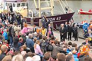 Koninginnedag 2008 / Queensday 2008. <br /> <br /> Koningin Beatrix viert Koninginnedag dit jaar in Friesland. De vorstin en haar familie bezochten op 30 april Makkum en Franeker.<br /> <br /> Queen Beatrix celebrates Queensday this year in Friesland (the Nothren provice in Holland). The Queen and its family visited Makkum and Franeker on 30 April.<br /> <br /> Op de foto/ On the Photo:<br /> <br /> De Royal Family in Makkum