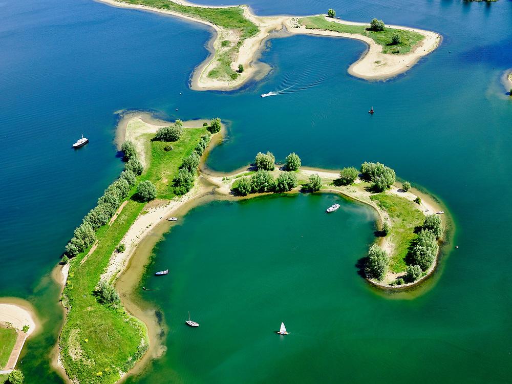 Nederland, Gelderland, Gemeente Buren, 27-05-2020; rivier de Lek, dode rivierarm en Eiland van Maurik (nabaij de stuw in deNederrijnbijAmerongen). Recreatiegebiedvoor watersporters ennatuurgebied.<br /> River Lek, dead river arm and Island van Maurik (near the weir in the Nederrijn near Amerongen). Recreation area for water sports enthusiasts and nature reserve.<br /> <br /> luchtfoto (toeslag op standaard tarieven);<br /> aerial photo (additional fee required)<br /> copyright © 2020 foto/photo Siebe Swart