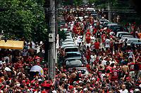 20091206: RIO DE JANEIRO, BRAZIL - Flamengo vs Gremio: Brazilian League 2009 - Flamengo won 2-1 and celebrated the 6th Brazilian Championship of its history. In picture: Flamengo supporters heading to the stadium before the match. PHOTO: CITYFILES