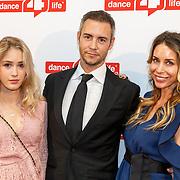 NLD/Amsterdam/20180622 - Inloop Dance4life gala 2018, Rene Vervoorn, partner Guy van der Reijden en dochter Lisa