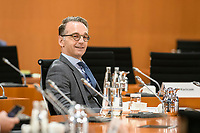 07 OCT 2020, BERLIN/GERMANY:<br /> Heiko Maas, SPD; Bundesassenminister, vor Beginn der Kabinettsitzung, Internationaler Konferenzsaal, Bundeskanzleramt<br /> IMAGE: 20201007-01-004<br /> KEYWORDS: Sitzung, Kabinett, freundlich