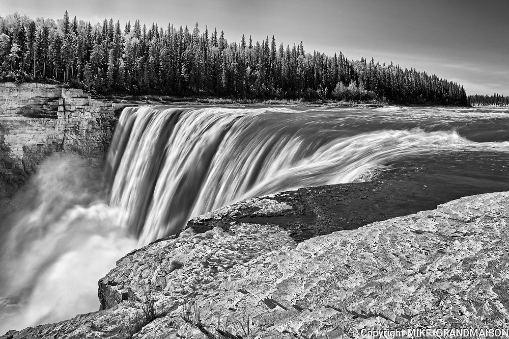 Hay River at Alexandra Falls<br />