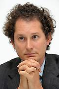 © Filippo Alfero<br /> Torino, 04/04/2012<br /> Assemblea Azionisti Fiat<br /> Nella foto: John Elkann in conferenza stampa