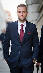 © London News Pictures. 13/11/2013. London, UK. CALUM BEST arriving at The Old Bailey in London where former editors of the News Of The World are facing trial over allegations of  phone hacking and and payments to officials at News International. Photo credit: Ben Cawthra/LNP