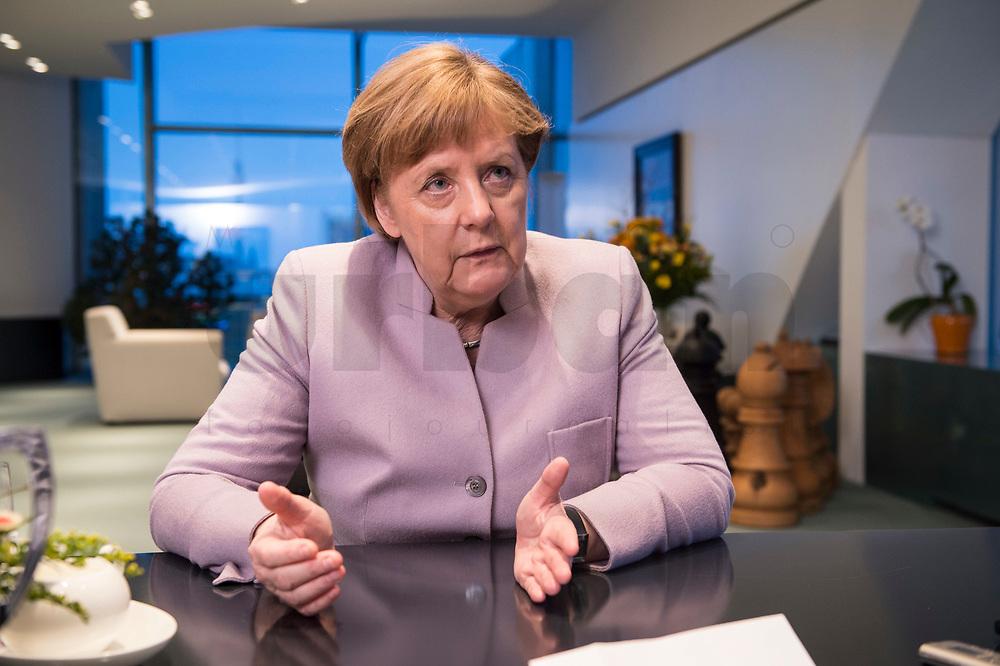 20 MAR 2017, BERLIN/GERMANY:<br /> Angela Merkel, CDU, Bundeskanzlerin, waehrend einem Interview, in ihrem Buero, Bundeskanzleramt<br /> IMAGE: 20170320-01-002<br /> KEYWORDS: Büro
