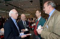 PAPENDAL - Seminar EGA Handicapsysteem 2007-2010. vlnr Bill Mitchell (CONGU handicapexpert), Jan Kees van Soest (vice voorz. NGF en voorz. comm regels NGF), Lout Mangelaar Meertens (EGA).