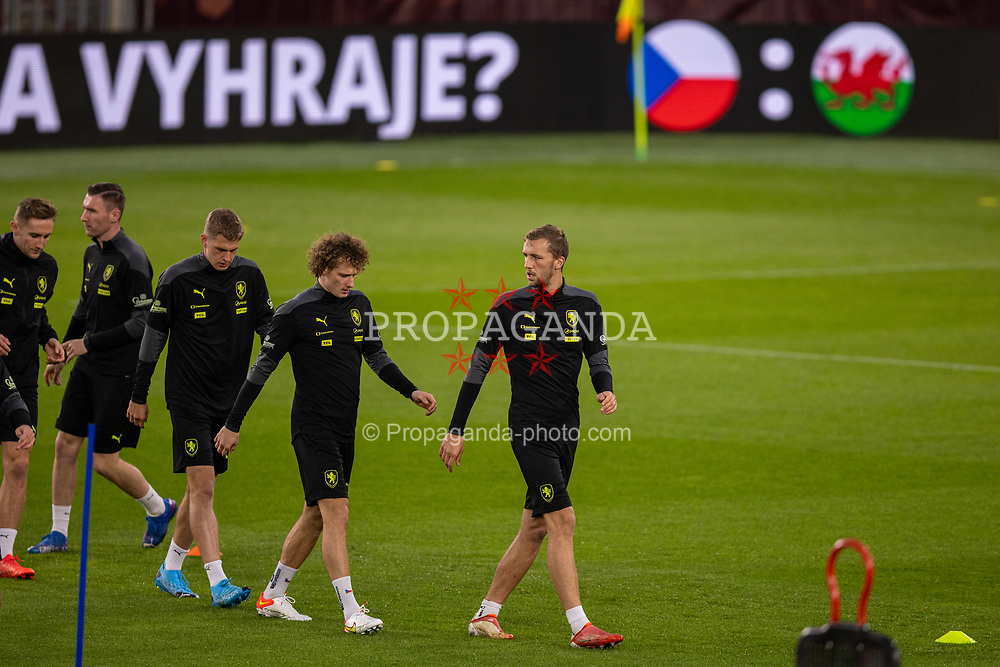 PRAGUE, CZECH REPUBLIC - Thursday, October 7, 2021: Czech Republic's Tomáš Souček (R) and his West Ham United team-mate Alex Král (L) during a training session ahead of the FIFA World Cup Qatar 2022 Qualifying Group E match between Czech Republic and Wales at the Sinobo Stadium. (Pic by David Rawcliffe/Propaganda)