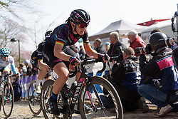 Lisa Brennauer battles to the top of Kemmelberg at Women's Gent Wevelgem 2017. A 145 km road race on March 26th 2017, from Boezinge to Wevelgem, Belgium. (Photo by Sean Robinson/Velofocus)